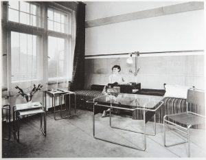 Marcel Breuer salle de séjour pour Piscator, 1927. Bauhaus, Könemann, p.