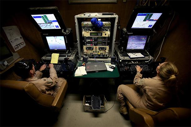 url : https://humanoides.fr/le-recit-dun-ancien-pilote-militaire-de-drones/